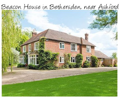 A large holiday cottage Beacon House is a large holiday home near Ashford in Kent