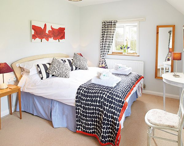 1 of the 5 bedrooms at Bearwood House in Pembridge, near Leominster