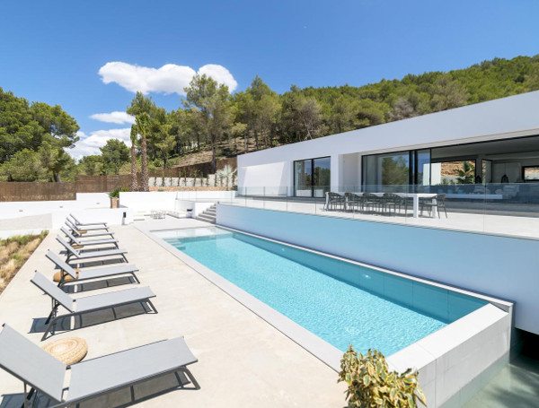 Casa Can Lima in Sant Josep de sa Talaia is a modern holiday villa on Ibiza which sleeps 10 people