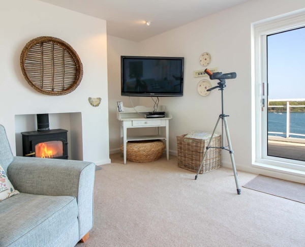 The living room at Fiddlers Green in St Mawes