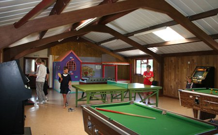forest-glade-holiday-park-cullompton-games-room.jpg