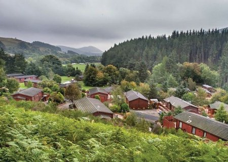 Glendevon Country Park in Dollar, Perthshire are holiday lodges with hot tubs