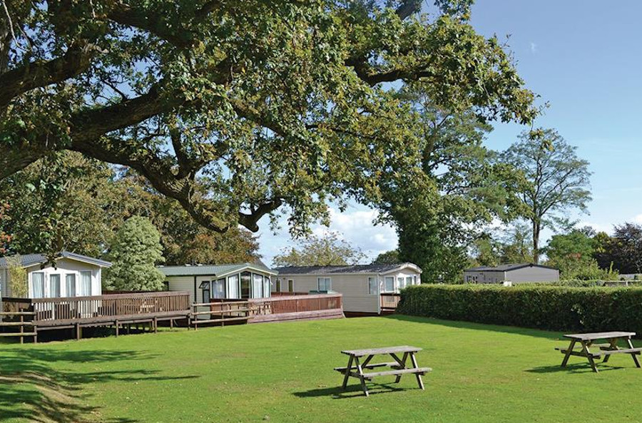 The setting of the caravans at Oakcliff Holiday Park in South Devon