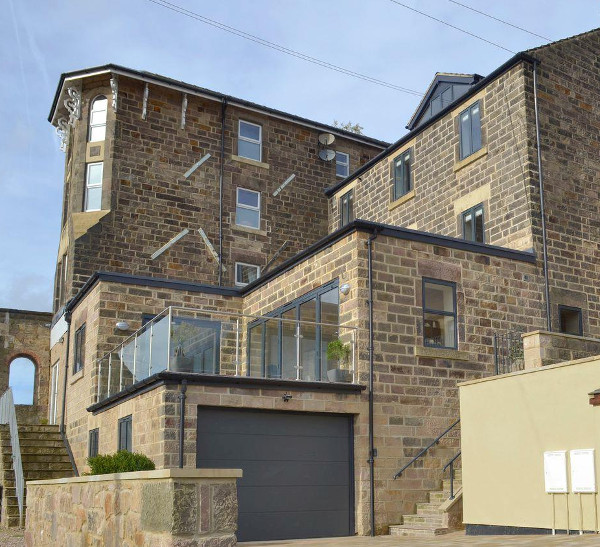 Skylark View on Jackson Road in Matlock sleeps 4 people
