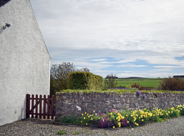 South House in Lathones, near St Andrews, sleeps 7 people