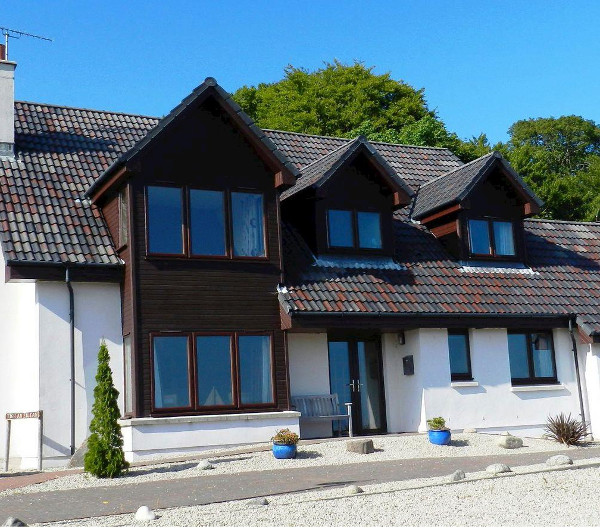 Tigh an Eilean in Lamlash, on the Isle Of Arran, sleeps 10 people