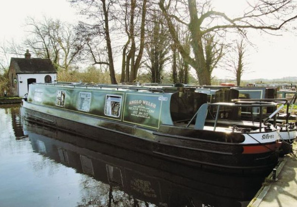 Trevor boat-yard at Llangollen has a collection of narrowboats sleeping between 4 and 12 people