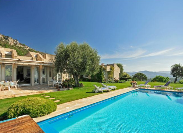 Villa a Jess in Vence is a holiday villa in the South of France sleeping 8 people