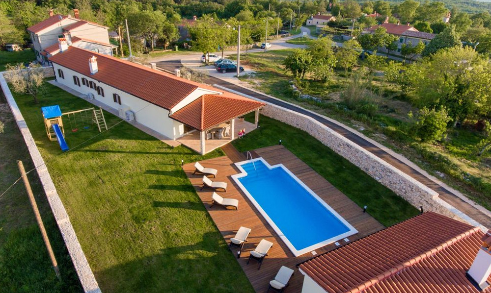 Villa Anica has a quiet setting near Labin in Croatia