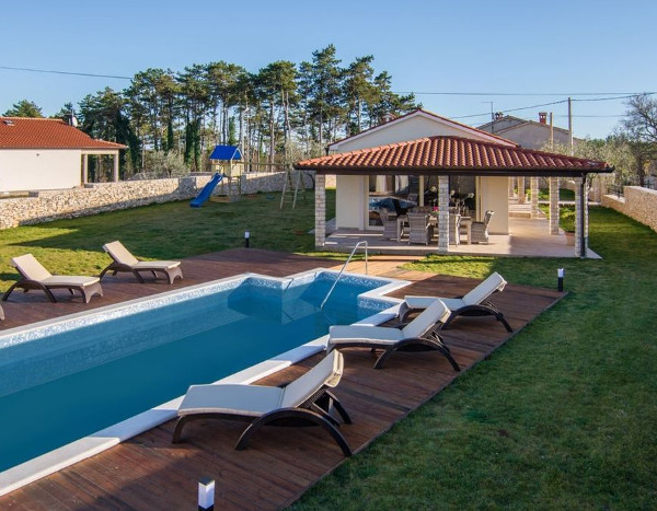 The swimming pool at Villa Anica in Labin