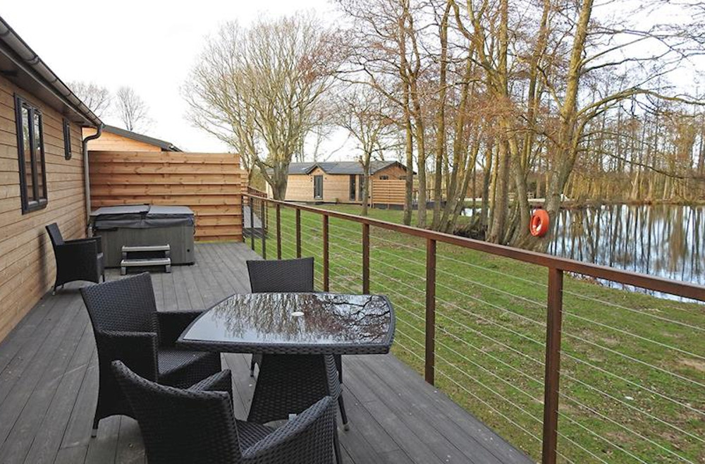 The private outdoor hot tub at your lodge, Warren Wood Country Park