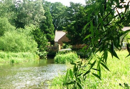 Wensum View Cottage is a holiday cottage in Great Ryburgh, near Fakenham - Norfolk - sleeping 10 people